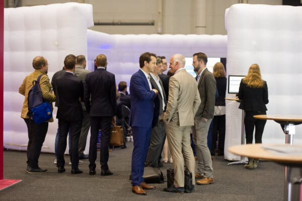 Jahrestagung Hamburg 2019 Gespräch Teilnehmer